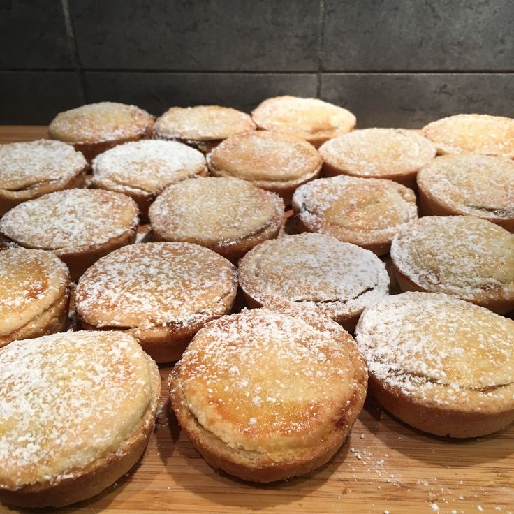 [Homemade] mince pies. Because I'm English and it's Christmas!