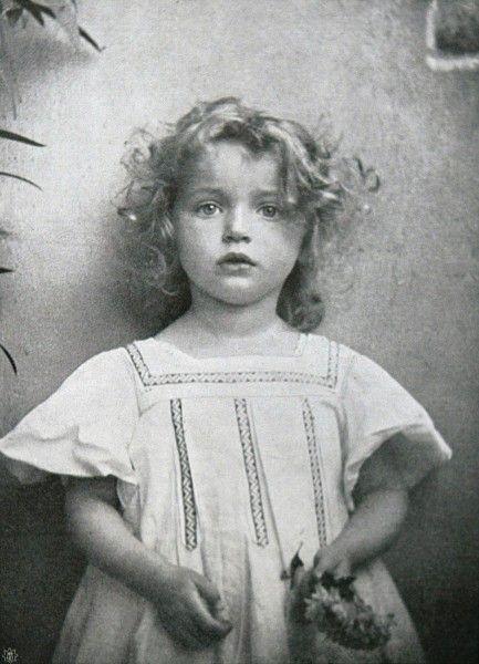 Die Kunst in der Photographie : 1907 Photographer: Mlle. O. Aubouard Title: Portät-Studie