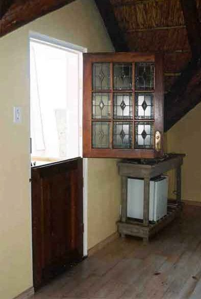 Cape Dutch Door (stable door) top and bottom half open separately