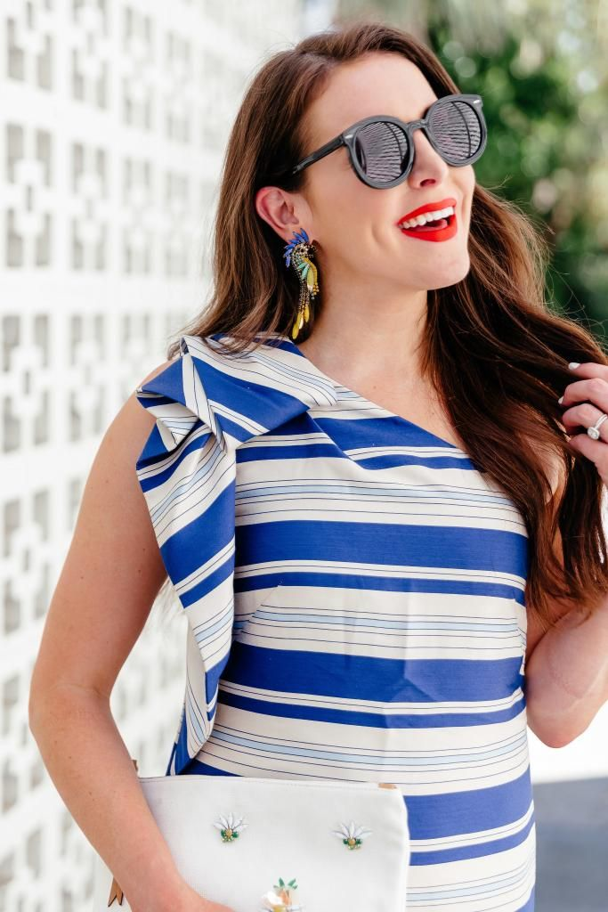 991341e6de7c2 Fashion And Frills blogger wearing Banana Republic one shoulder dress