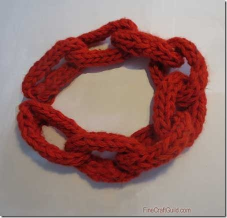 Finger Knitting Projects: Chain Necklaces
