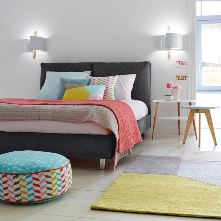 Voici une jolie palette de couleurs pour donner vie à votre chambre ! #dccv #ducôtédechezvous #ducotedechezvous #home #deco #design #archi #chambre #room #lit