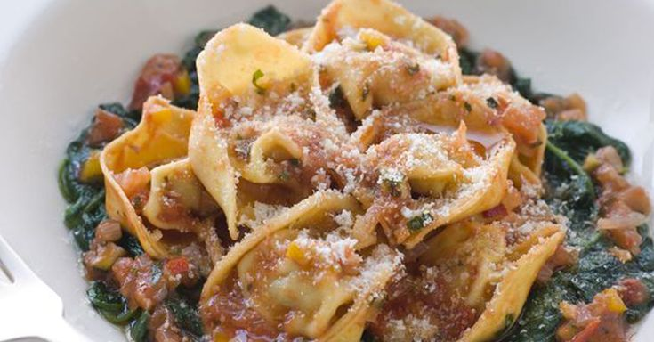 Vegetarian Recipe: Cheese Tortellini With Spinach
