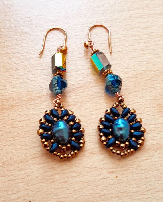 Bead woven earring Cultured Pearl Earrings by SweetgemsDesign