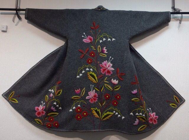 Ullemors verkstad   Tovning, stickning, virkning, vävning – här är textila hantverk i fokus