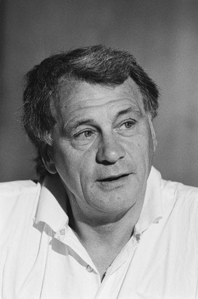 Anefo 934-2658, Bobby Robson, Netherlands, 14-06-1988.jpg