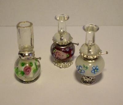 Use of glass pearl and transparent stick pin to make miniature dollhouse lantern | Image source:  EL DESVAN DE LAS HADAS: Miniatures