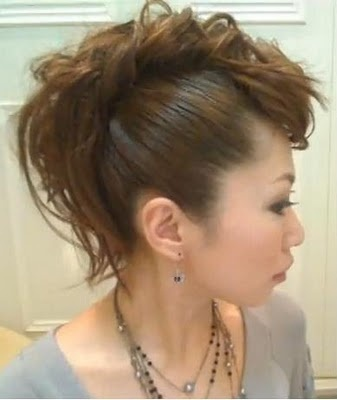girl faux hawk