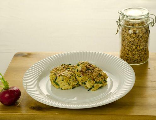 Rezept für Bärlauch Tofu-Laibchen mit Müsli-Kruste