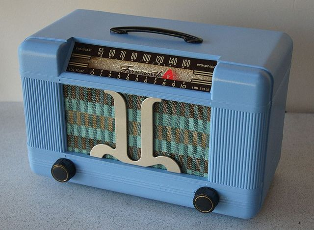 Restored Farnsworth ET-065 Vacuum Tube Radio ca. 1946. Manufactured in USA by Farnsworth Television & Radio Corp. of Fort Wayne, Indiana.