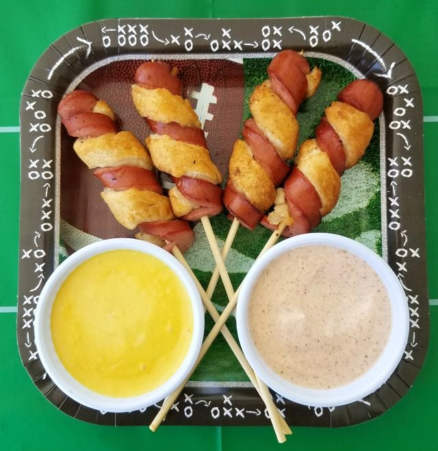 Hot Dog Twists + Dipping Sauces for The Big Game This is a sponsored post written by me on behalf of Tyson Foods, Inc. All opinions are entirely my own. I get so excited for the Big Game and I love to throw a football themed party. It's the biggest game of the year, everyone …Read more...