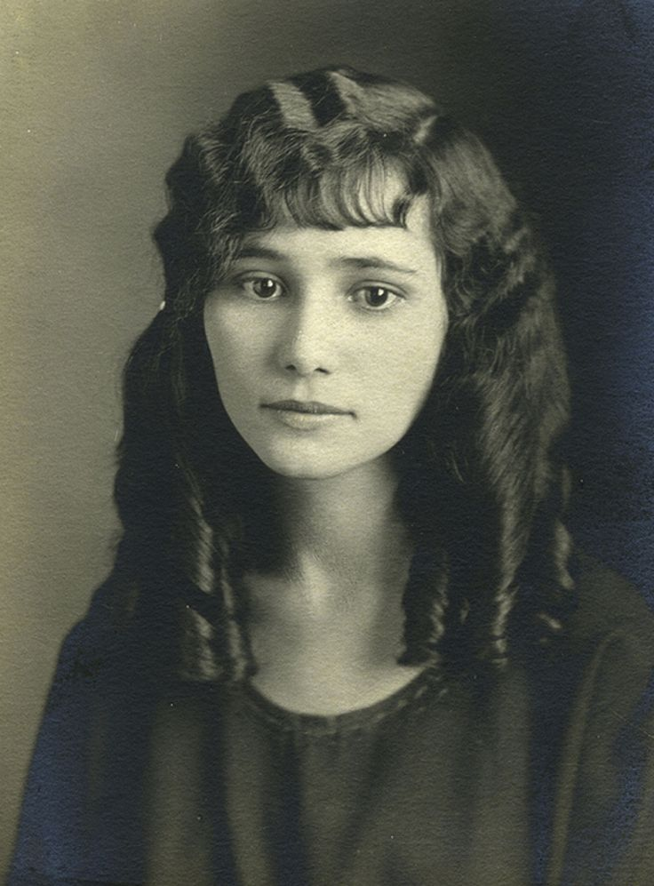 +~+~ Antique Photograph ~+~+   Special portrait of a young woman with ringlets.