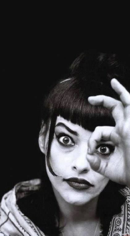 .NIna Hagen (a German singer and actress) EYE see the photographer was LOOKING for an original photograph idea ‼️