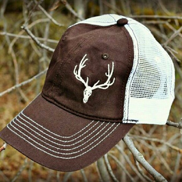 << Country Girl Swag Elk Snap back Hat >> How cute will this little hat be with your outfit! Pair with girly accessories like pearls for the perfect country girl look! Twang Boutique  Accessories Hats