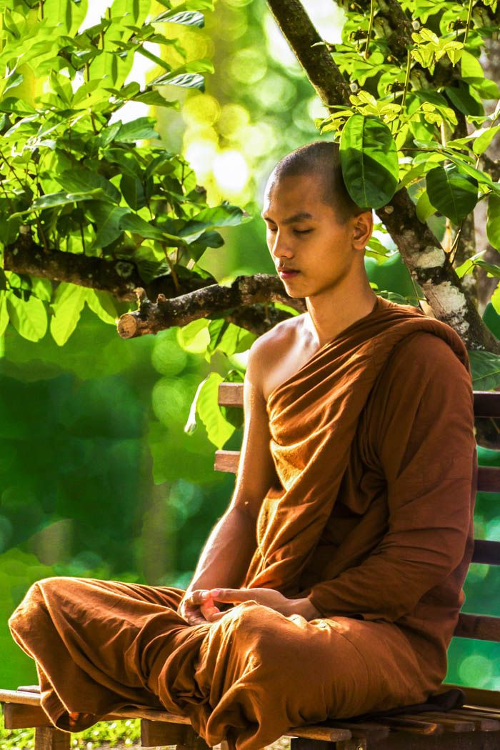 A Monk Meditating In The Morning Light Find Out The Best Times To Meditate Meditation Mindfulness Ze Monk Meditation Meditation Poses Meditation Images