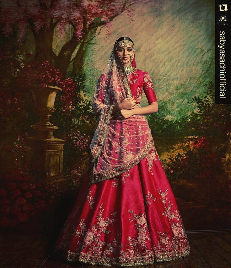 #Repost @sabyasachiofficial with @repostapp ・・・ #Sabyasachi #MughalGardenLehenga #SummerBridal #KishandasForSabyasachi #indianfashion #indianfashionblogger #indiantextiles #indianwedding...