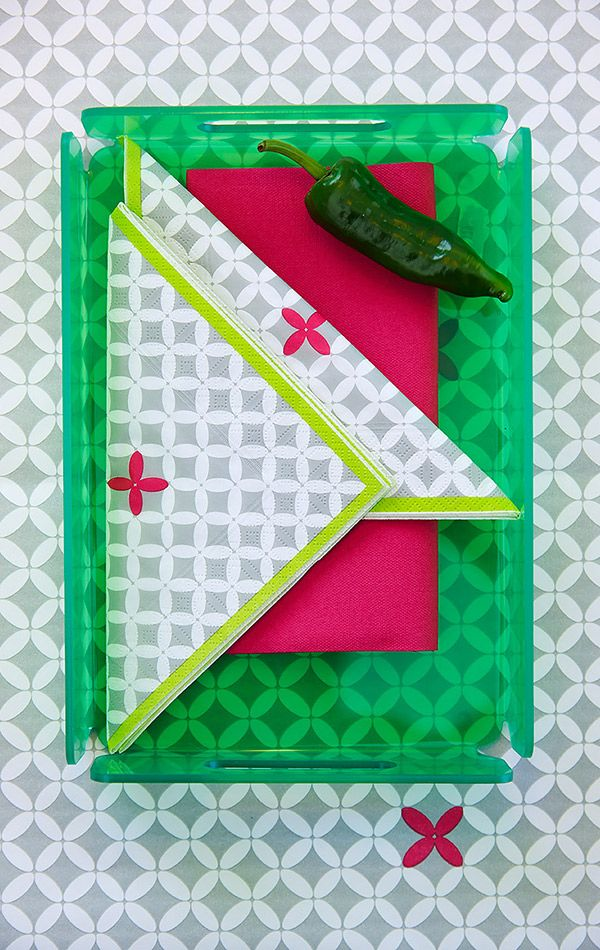 Square plate in green and Neo napkin #Duni