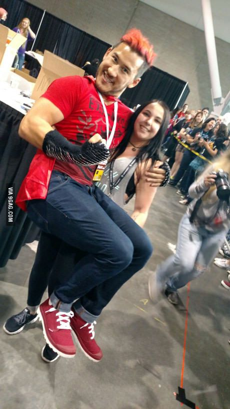 Only fan that could lift a 185 lb Markiplier! PAX East!<<<< I can lift up to 195! I could've lifted him omg