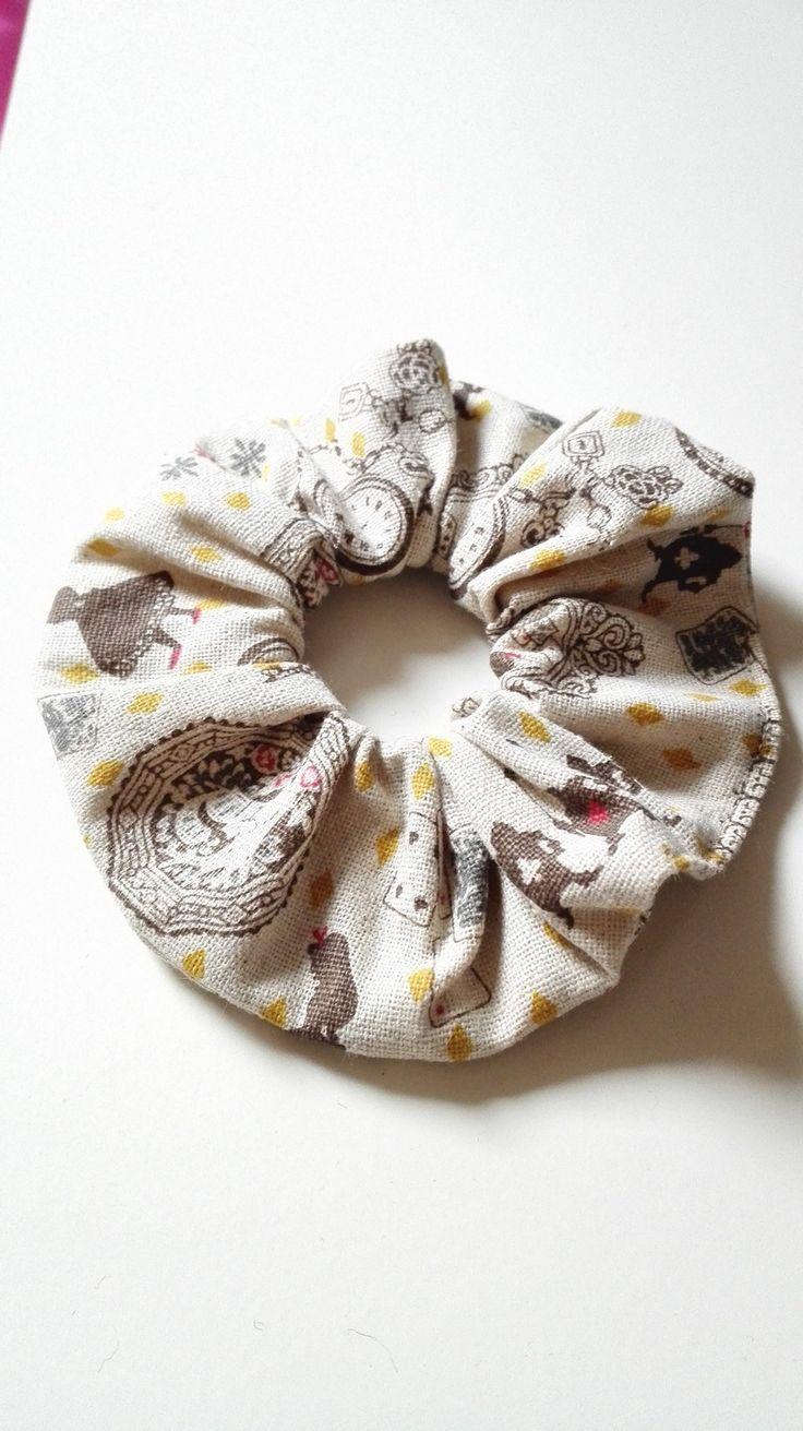 Chouchou Alice aux Pays des Merveilles Wonderland élastique cheveux beige féérique disney : Accessoires coiffure par miss-perles