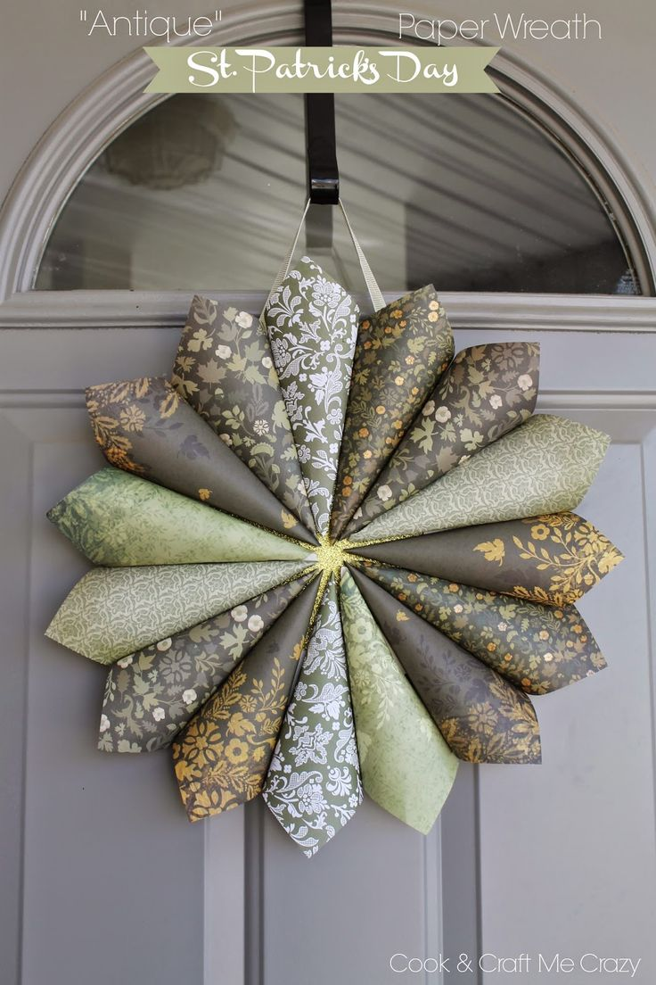 """""""Antique"""" St. Patrick's Day Paper Wreath - Done in 20 minutes!   http://cookandcraftmecrazy.blogspot.com/2015/02/antique-st-patricks-day-paper-wreath.html"""