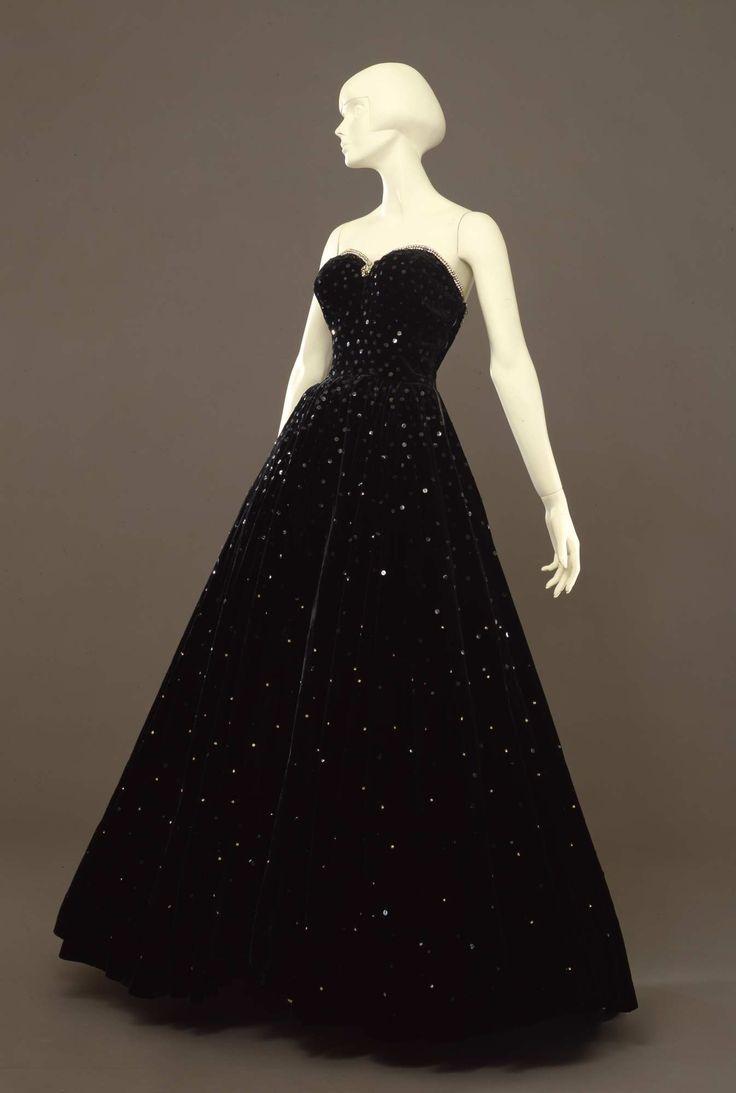 1947, Italy - Ball gown - Velvet, rhinestones, sequins