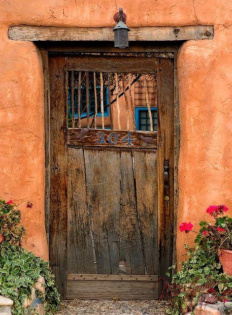 abriendo-puertas:    By Mikes Jones