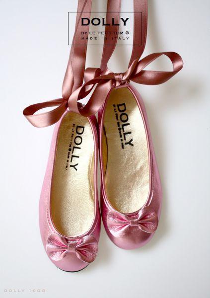 Különleges cipő az igazi kis Hercegnőknek!  http://milibaby.hu/termek_adatlap/exkluziv_borcipok_kislanyoknak/kislany_alkalmi_cipok/exkluziv_cipo_masnival/19gb 99