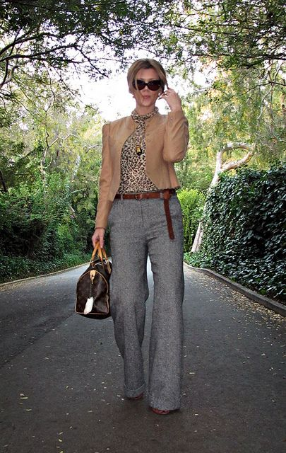 I love this outfit! Camel jacket, wide pants!