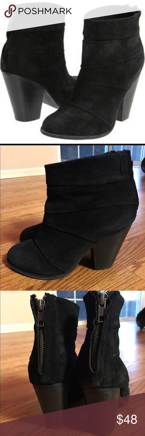 Steve Madden arrena bootie suede Steve Madden arrena bootie these have been gently worn there are some signs of wear but still have tons of life left in them perfect with every outfit Steve Madden Shoes Ankle Boots & Booties