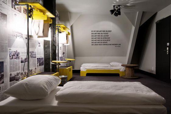overview hostel rooms st pauli superbude ba os in. Black Bedroom Furniture Sets. Home Design Ideas