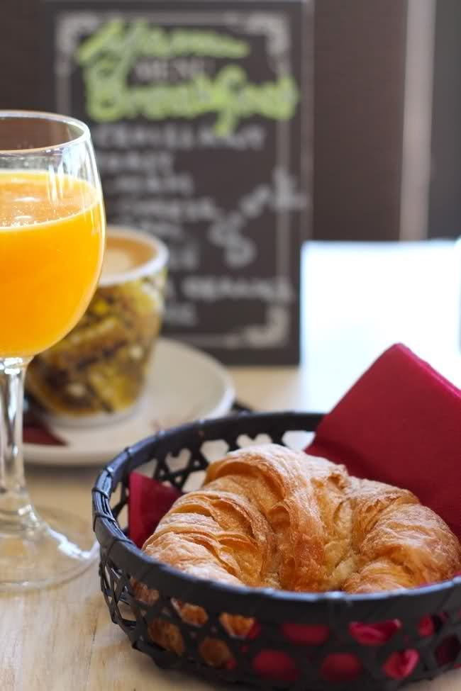 Croissant & fresh squeezed orange juice