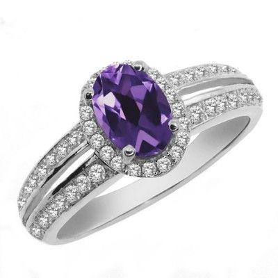 Ametystový zásnubní prsten #ametyst #ametystovyprsten #prstenysametystem #fialovydrahokam #prsteny #stribrneprsteny #prstenystribro #diamanty #diamantoveprsteny #snubniprstenypraha