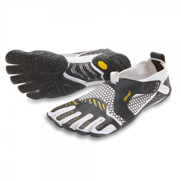 La Vibram Fivefingers Signa white è la scarpa ideale per chi pratica sport acquatici. Surfisti, Canoisti, Velisti, amanti del Kite oppure fanatici del SUP.