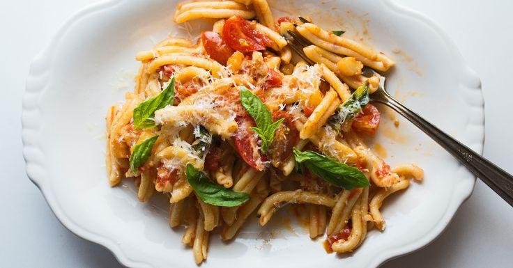 Rucola chef Joe Pasqualetto shows us how to make pasta alla norma, a classic Sicilian dish.