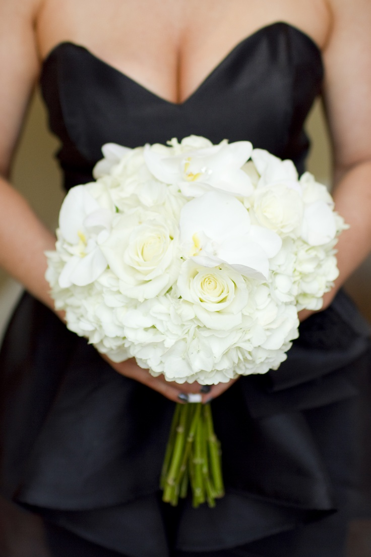 -Bridesmaids floral -------Lovely white Bridesmaid Bouquet.
