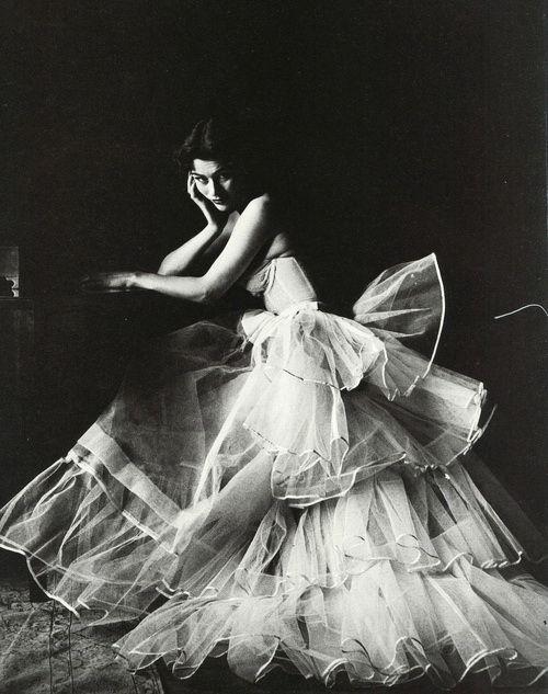 Fashion photo by Milton Greene, 1953 via tammy17tummy
