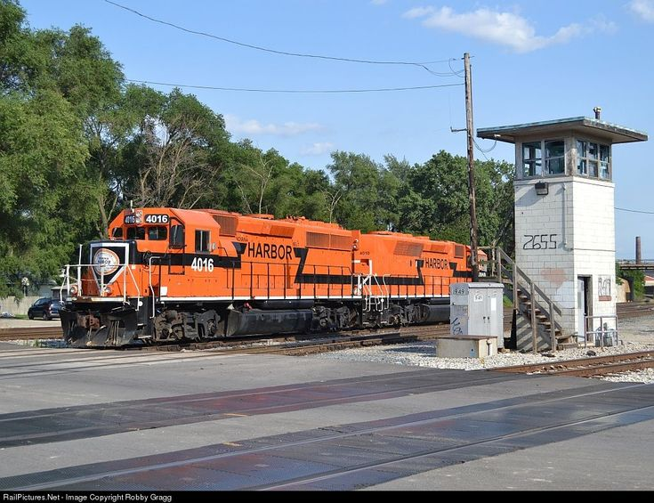 RailPictures.Net Photo: IHB 4016 Indiana Harbor Belt Railroad EMD GP40-2 at Blue Island, Illinois by Robby Gragg