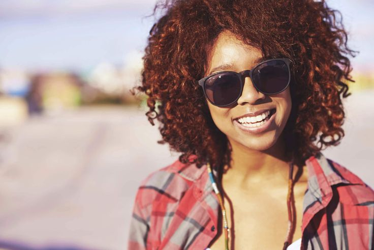 Warmer months also means humid days. Learn how to defend natural hair against humidity by using good natural hair products on your hair. | All Things Hair - From hair experts at Unilever