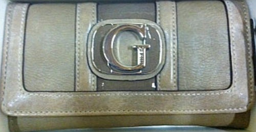 Purses & Wallets - GUESS Wallets With Gift Box for sale in Gauteng (ID:102370275)