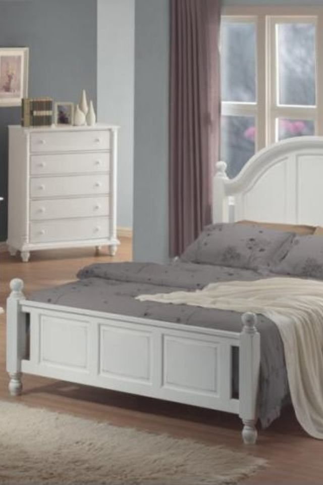 Bedroom Set All White Photo