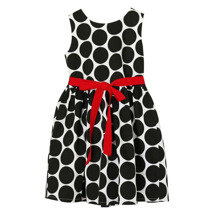 هذا الفستان الأبيض بالنقط السوداء ينضح بالمرح والمرح والمرح مع الموديل الكلاسيكي و حزام أحمر يلفت الأنظار هذا فستان مثالي Dresses Summer Dresses Fashion