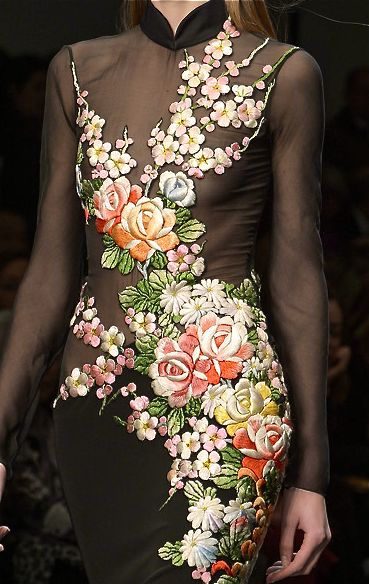 embroidery roses on dress Leonard, fall 2013