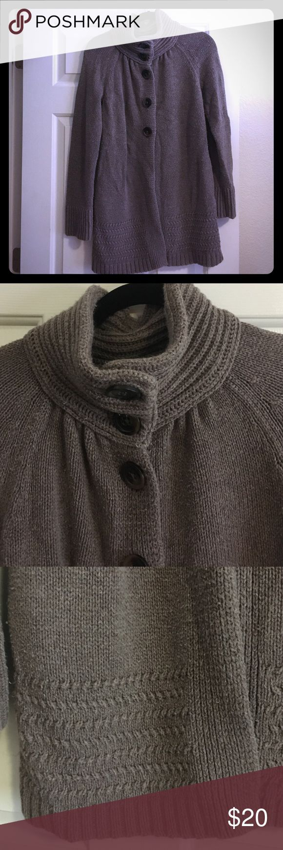 🆕 Old Navy Sweater Coat In used condition. Some light pilling. But lots of life left! Beautiful color.  Will keep you warm in the fall! Old Navy Sweaters Cardigans