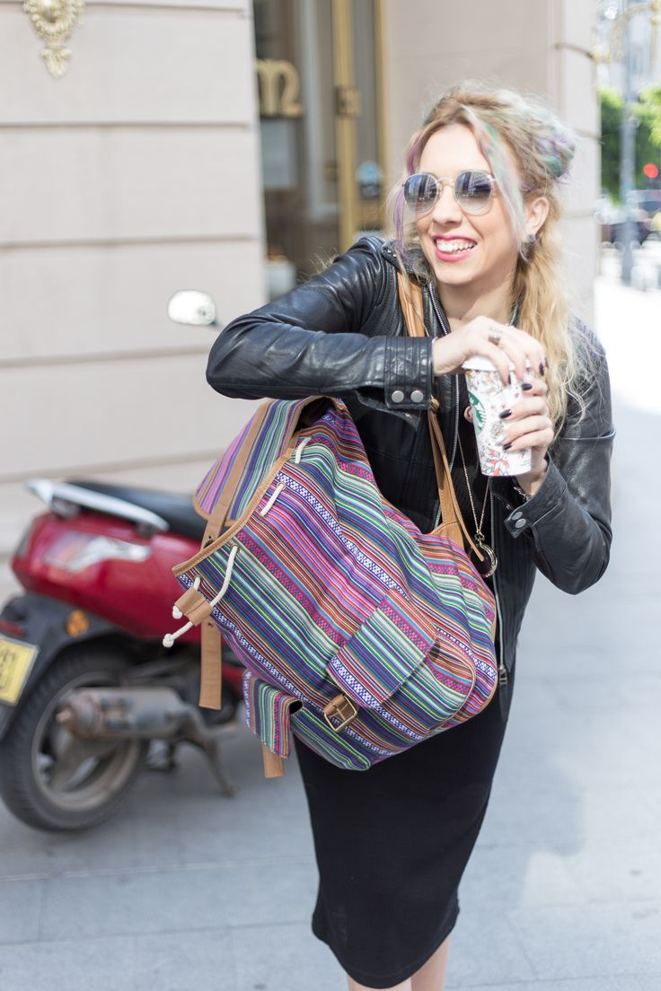http://www.monoclu.ro/air-max-help-me-to-run-and-work-in-this-crazy-bucharest/ #monoclu #streetfashionbucharest #raybanfashion #leather #colorhair #casualoutfits #allblack #fashionbags #adona #cooloutfit #starbucks #coffee
