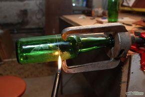 Glazen fles snijden : klem, glassnijder, warm en koud water