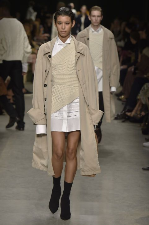 Our favorite looks from LFW Fall 2017: Burberry