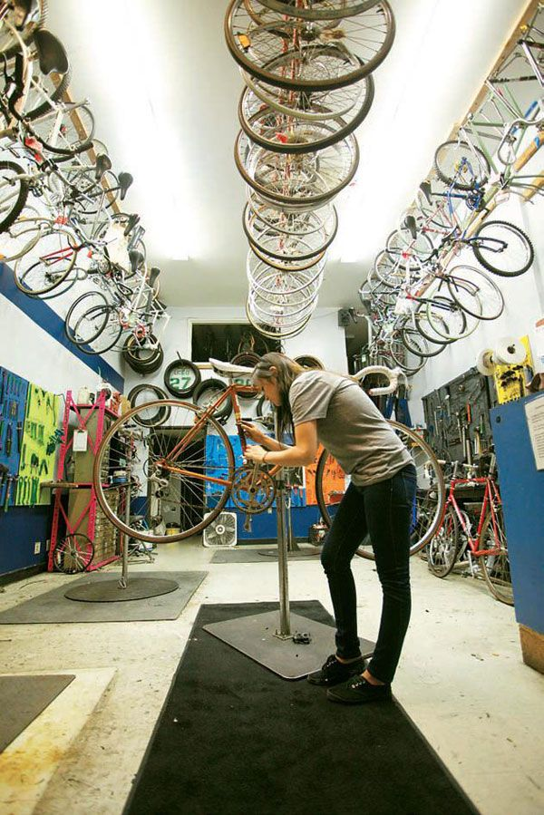 BIKE WORKSHOP. Bicycles Love Girls. http://bicycleslovegirls.tumblr.com/