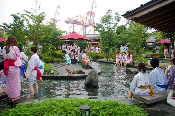 This time I covered the famous Onsen in Tokyo and Tokyo Japan where tourism is very popular. The place name is Ooedoonsen monogatari bathing. This place has a spacious bathroom and the ambiance of this place during the Edo period Japan, here you can see and try on the Japanese tradition and culture of the Edo era.  Read More http://indouniqueholiday.com/hot-water-baths-are-very-comfortable-in-japan-tokyo-ooedo-onsen/