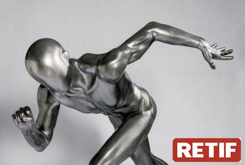 Mannequin homme gris laque, mannequin homme en mouvement partait pour l´agencement magasin sport