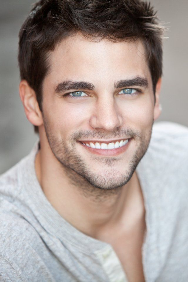 Brant Daugherty..... sin palabras